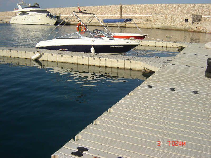 embarcaderos y pantalanes flotantes