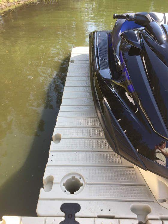muelle para moto de agua