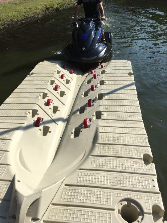 plataforma para moto acuatica